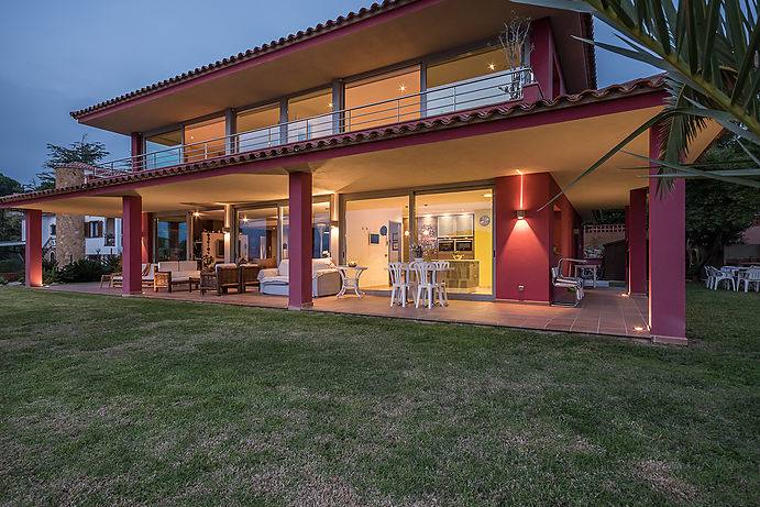 Casa Canyers, Modern villa with fantastic views