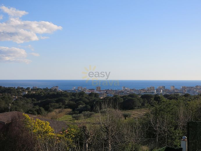 Very beautiful house with pool and view on the sea for sale in Calonge