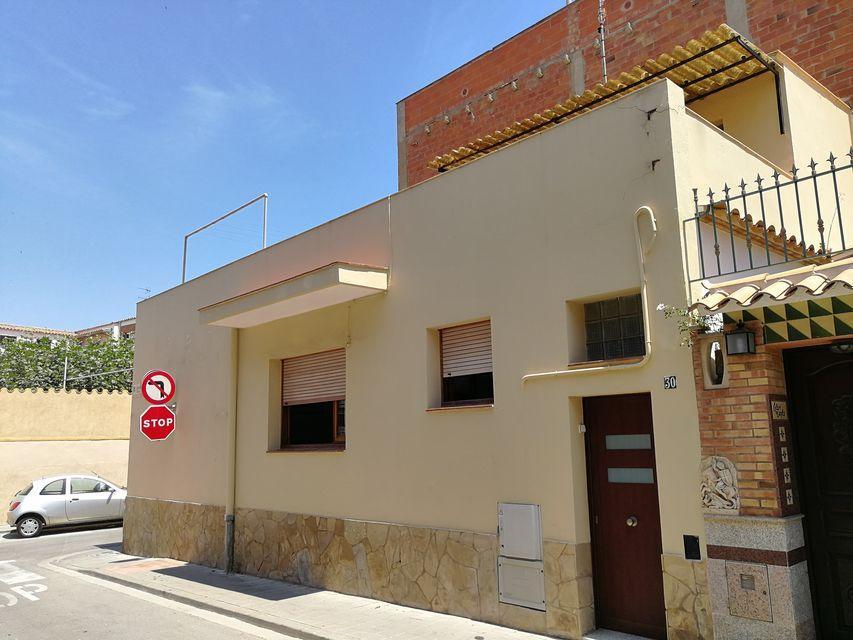 Alquiler tur stico casa c ntrica de planta baja y azotea for Casa con lavadero
