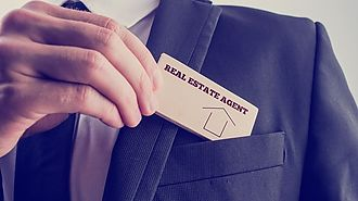 The advantages to sell a house with an agent state